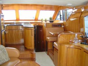 42 Sedan by Ocean Alexander  Salon Forward (2)