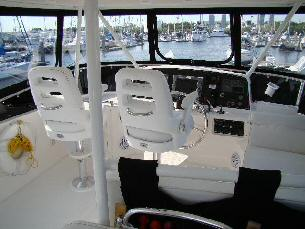 42 Sedan by Ocean Alexander  Pompanette Helm chairs