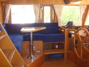 45' Symbol Pilothouse Trawler Pilothouse Port view