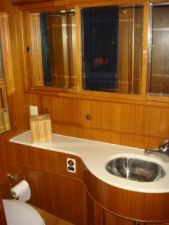 45' Symbol Pilothouse Trawler Guest Head