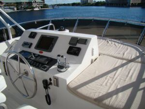 58 Symbol Pilothouse Flybridge Helm Sunbathing Pad