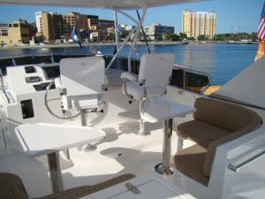 58 Symbol Pilothouse Flybridge Seating