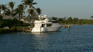 58' Symbol PIlothouse aft profile