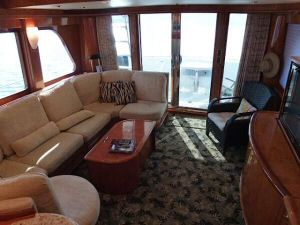 58' Symbol PIlothouse Salon Aft
