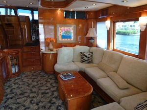 58' Symbol PIlothouse Salon Forward