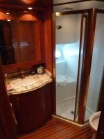 58' Symbol PIlothouse VIP Shower