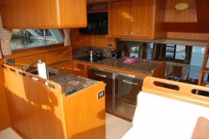 Symbol 59 Classic Pilothouse  - Pilothouse Galley (2)