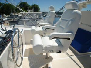 Symbol 59 Classic Pilothouse  Flybridge Helm