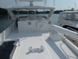 Ocean Alexander 64 Flybridge Aft Deck Forward