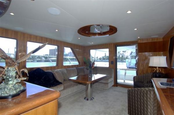 Ocean Alexander Motor Yacht 64' Salon Aft Starboard Side