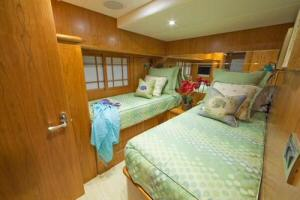 85' Symbol Yachtfisher 2010  Guest Stateroom